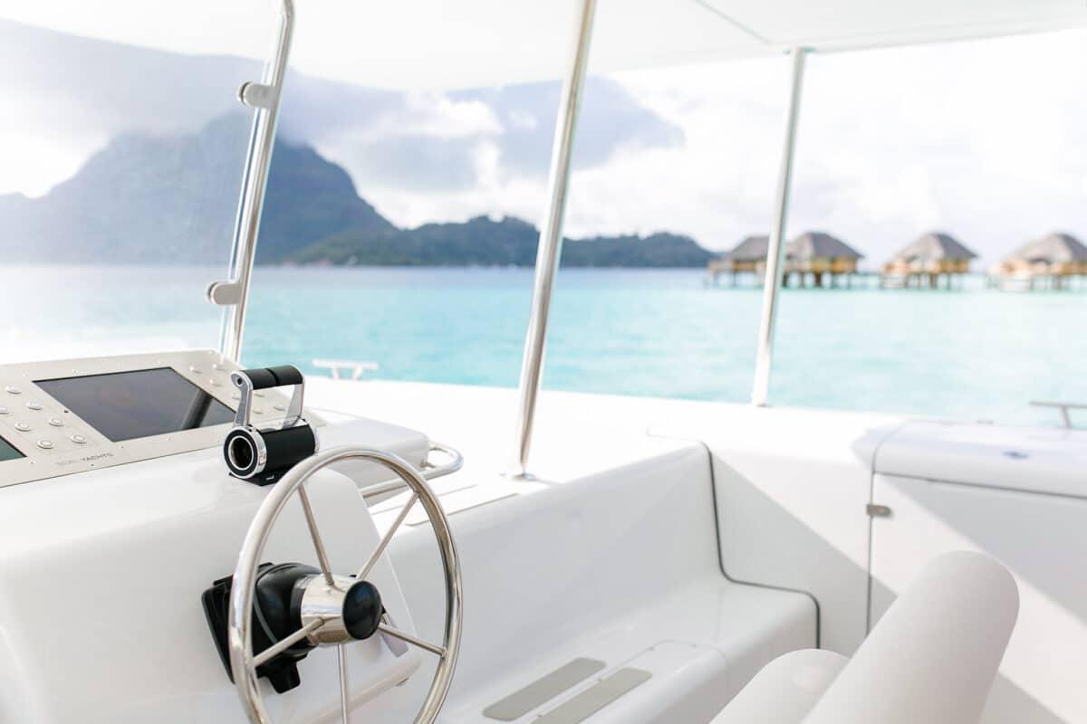 Bora Bora, true ecotourism with solar yacht